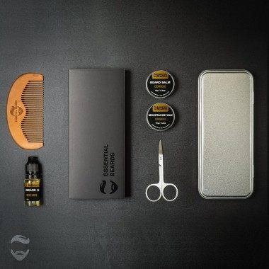 Essential Beards Cedarwood 8 Piece Gift Set