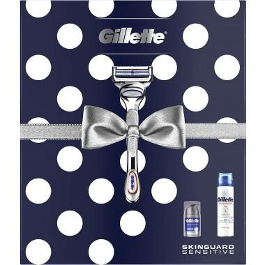 Gillette 81731636 Sensitive Razor, Shave Gel & Moisturiser Gift Set